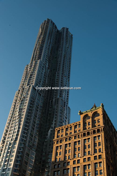 United states, New york  the Gehry in lower manhattan  area. Pace university / le nouveau building de Gehry en construction dans le bas de Manhattan New york - Etats unis