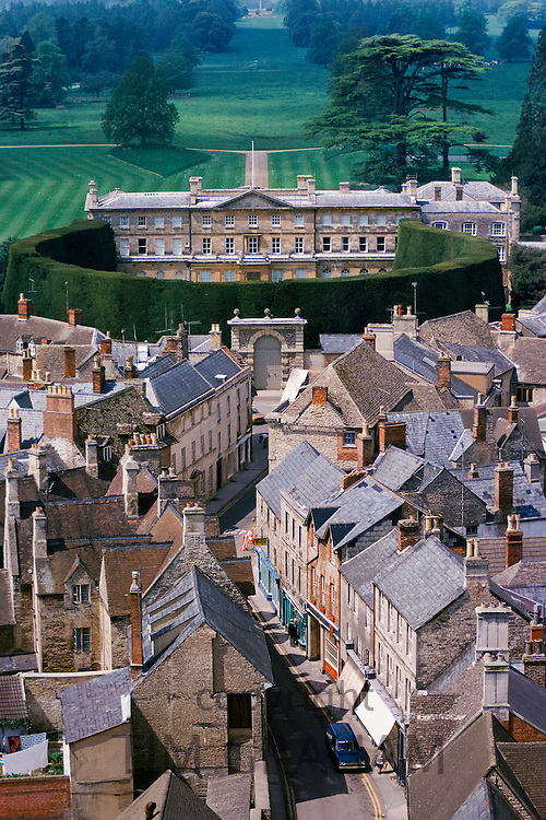 Aerial view of Cirencester, Cirencester Park and the Bathurst Estate and world's tallest yew hedge, The Cotswolds, Gloucestershire, UK