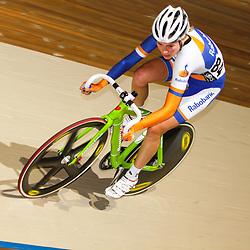 Nederlands Kampioenschap puntenkoers vrouwen in het Omnisportcentrum Apeldoorn Roxane Kneteman