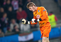 12.05.2010, Hamburg Arena, Hamburg, GER, UEFA Europa League Finale, Atletico Madrid vs Fulham FC im Bild Torjubel Siegesjubel bei David de Gea, #43, Atletico Madrid, EXPA Pictures © 2010, PhotoCredit: EXPA/ J. Feichter / SPORTIDA PHOTO AGENCY