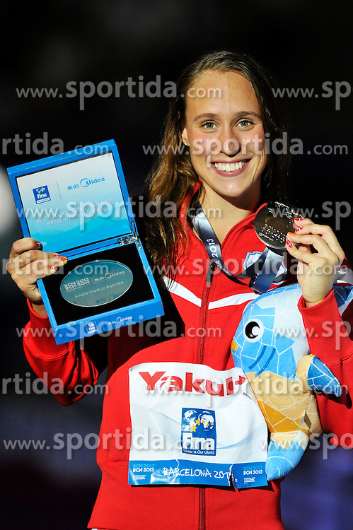 02.08.2013, Barcelona, ESP, FINA, Weltmeisterschaften f&uuml;r Wassersport, Medailliengewinner, im Bild Rikke Moller Pedersen, from Denmark, silver medal at 200m Breastrocke Women Finalist Victory Ceremony // during the FINA worldchampionship of waterpolo, medalists in Barcelona, Spain on 2013/08/02. EXPA Pictures &copy; 2013, PhotoCredit: EXPA/ Pixsell/ HaloPix<br /> <br /> ***** ATTENTION - for AUT, SLO, SUI, ITA, FRA only *****