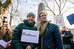 © Licensed to London News Pictures. 25/11/2017. London, UK. Actress Emma Thompson (L) and Richard Ratcliffe (R), husband of British Iranian Nazanin Zaghari-Ratcliffe who remains in prison in Iran, at a protest calling for her immediate release. Photo credit: Rob Pinney/LNP