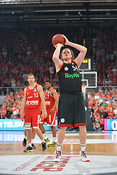 21.06.2015, Brose Arena, Bamberg, GER, Beko Basketball BL, Brose Baskets Bamberg vs FC Bayern Muenchen, Playoffs, Finale, 5. Spiel, im Bild John Bryant (FC Bayern Muenchen) beim Freiwurf // during the Beko Basketball Bundes league Playoffs, final round, 5th match between Brose Baskets Bamberg and FC Bayern Muenchen at the Brose Arena in Bamberg, Germany on 2015/06/21. EXPA Pictures &copy; 2015, PhotoCredit: EXPA/ Eibner-Pressefoto/ Merz<br /> <br /> *****ATTENTION - OUT of GER*****