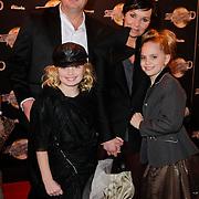 NLD/Amsterdam/20120217 - Premiere Saturday Night Fever, Dyanne Beekman, partner Frans ten Berge en ……………