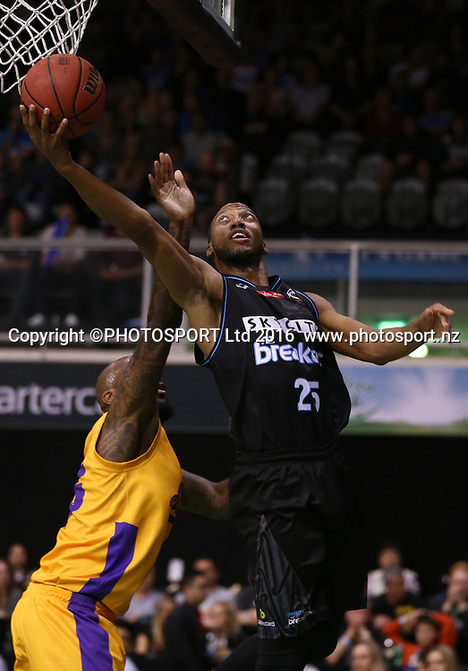 Breakers` Akil Mitchell is challenged by Kings` Josh Powell in the Round 3 ANBL Basketball Match, New Zealand Breakers v Sydney Kings, North Shore Events Centre, Auckland, New Zealand, Thursday, October 20, 2016. Copyright photo: David Rowland / www.photosport.nz