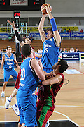 DESCRIZIONE : Trento Torneo Internazionale Maschile Trentino Cup Italia Portogallo Italy Portugal<br /> GIOCATORE : Angelo Gigli<br /> SQUADRA : Italia Italy<br /> EVENTO : Raduno Collegiale Nazionale Maschile <br /> GARA : Italia Portogallo Italy Portugal<br /> DATA : 27/07/2009 <br /> CATEGORIA : rimbalzo<br /> SPORT : Pallacanestro <br /> AUTORE : Agenzia Ciamillo-Castoria/G.Ciamillo