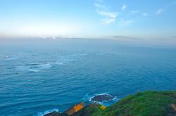 Em Cape Reinga é possível visualizar o encontro do agitado Mar da Tasmânia com o calmo Oceano Pacífico. Em dias de tempestades ondas com mais de 7 metros se formam no local proporcionando um espetáculo belo, mas arriscado para a navegação. FOTO: Lucas Uebel/Preview.com