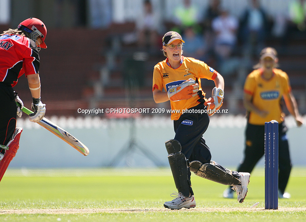 Andrea Stockwell celebrates stumping Canterbury opener Frances McKay.<br /> State League final. Wellington Blaze v Canterbury Magicians at Allied Prime Basin Reserve, Wellington. Saturday, 24 January 2009. Photo: Dave Lintott/PHOTOSPORT