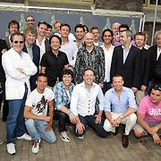 NLD/Amsterdam/20080515 - Nominatielunch John Kraaijkamp Musical Awards 2008, groepsfoto alle mannelijk genomineerden