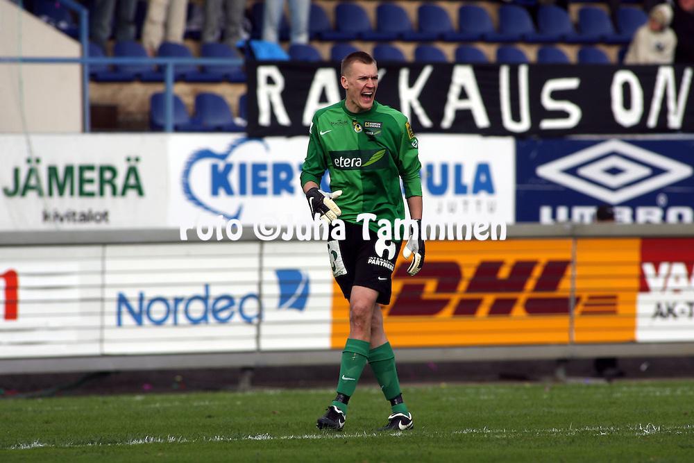 05.05.2008, Tehtaankentt?, Valkeakoski, Finland..Veikkausliiga 2008 - Finnish League 2008.FC Haka - Kuopion Palloseura.Ville Iiskola - KuPS.©Juha Tamminen.....ARK:k