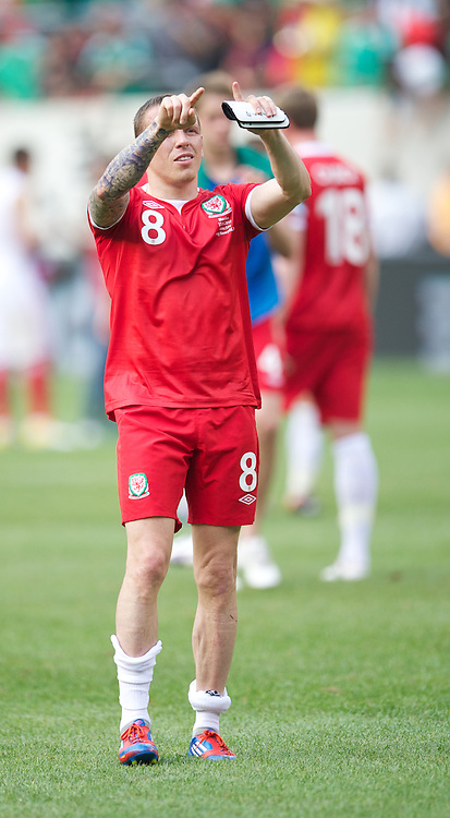 EAST RUTHERFORD, NEW JERSEY, USA - Sunday, May 27, 2012: Wales' Craig Bellamy looks dejected as his side lose 2-0 to Mexico during an International Friendly at the MetLife Stadium. (Pic by David Rawcliffe/Propaganda)