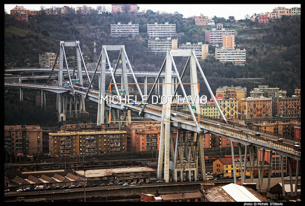 Panoramiche della Val Polcevera  e dei  quartieri genovesi di Pontedecimo, Bolzaneto, Rivarolo , Sampierdarena e Cornigliano,  per documentare il territorio in cui è prevista la costruzione della gronda autostradale di Ponente.