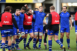 Bath Rugby players huddle together during the pre-match warm-up - Mandatory byline: Patrick Khachfe/JMP - 07966 386802 - 15/12/2019 - RUGBY UNION - Stade Marcel-Michelin - Clermont-Ferrand, France - Clermont Auvergne v Bath Rugby - Heineken Champions Cup