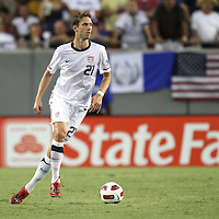 USA defender Clarence Goodson (21) passes the ball during a CONCACAF Gold Cup soccer match between the United States and Panama on Saturday, June 11, 2011, at Raymond James Stadium in Tampa, Fla. (AP Photo/Alex Menendez)