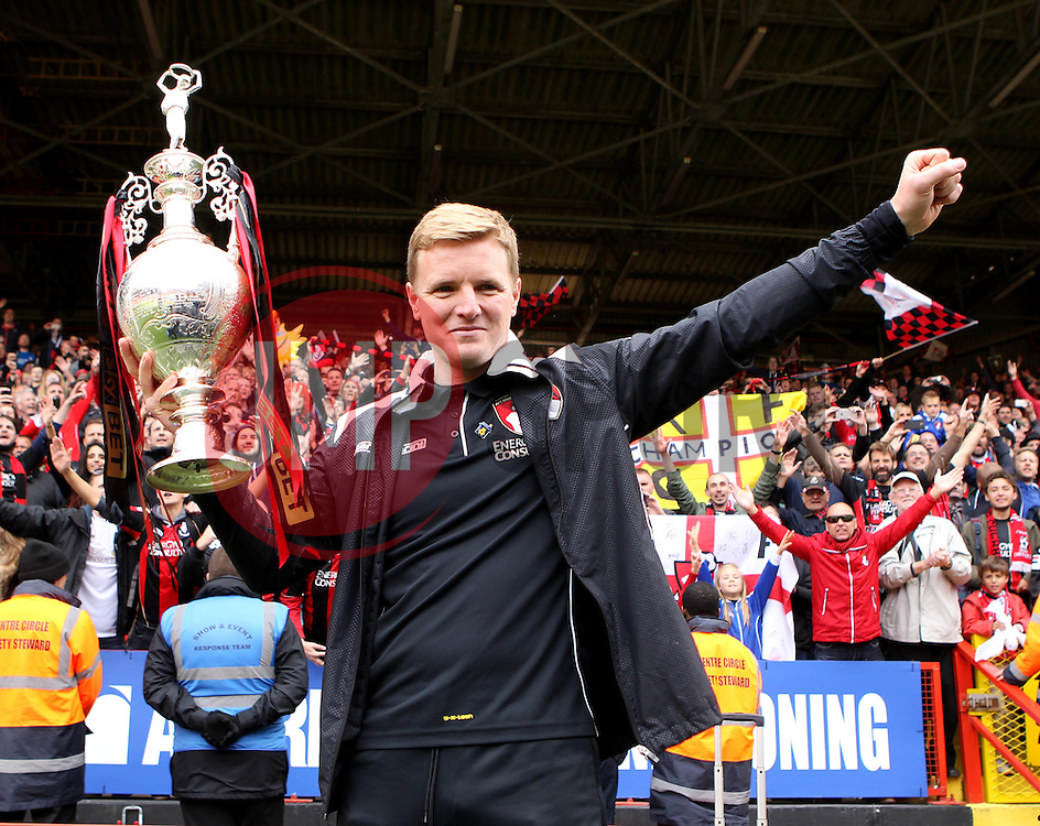 Bournemouth Manager, Eddie Howe with the Sky Bet Championship Trophy - Photo mandatory by-line: Robbie Stephenson/JMP - Mobile: 07966 386802 - 02/05/2015 - SPORT - Football - Charlton - The Valley - Charlton v AFC Bournemouth - Sky Bet Championsip