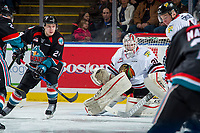 KELOWNA, CANADA - OCTOBER 20: Kyle Topping #24 of the Kelowna Rockets looks for the pass against the Portland Winterhawks on October 20, 2017 at Prospera Place in Kelowna, British Columbia, Canada.  (Photo by Marissa Baecker/Shoot the Breeze)  *** Local Caption ***