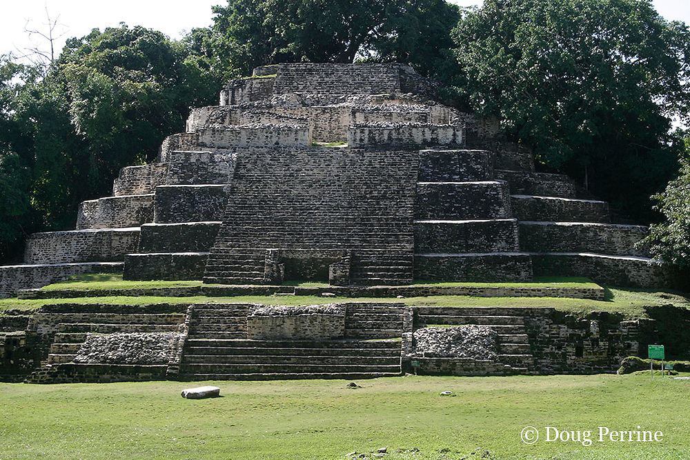 Jaguar Temple, a Mayan early classic pyramid, structure N10-9, Lamanai Ruins, Orange Walk District, Belize, Central America