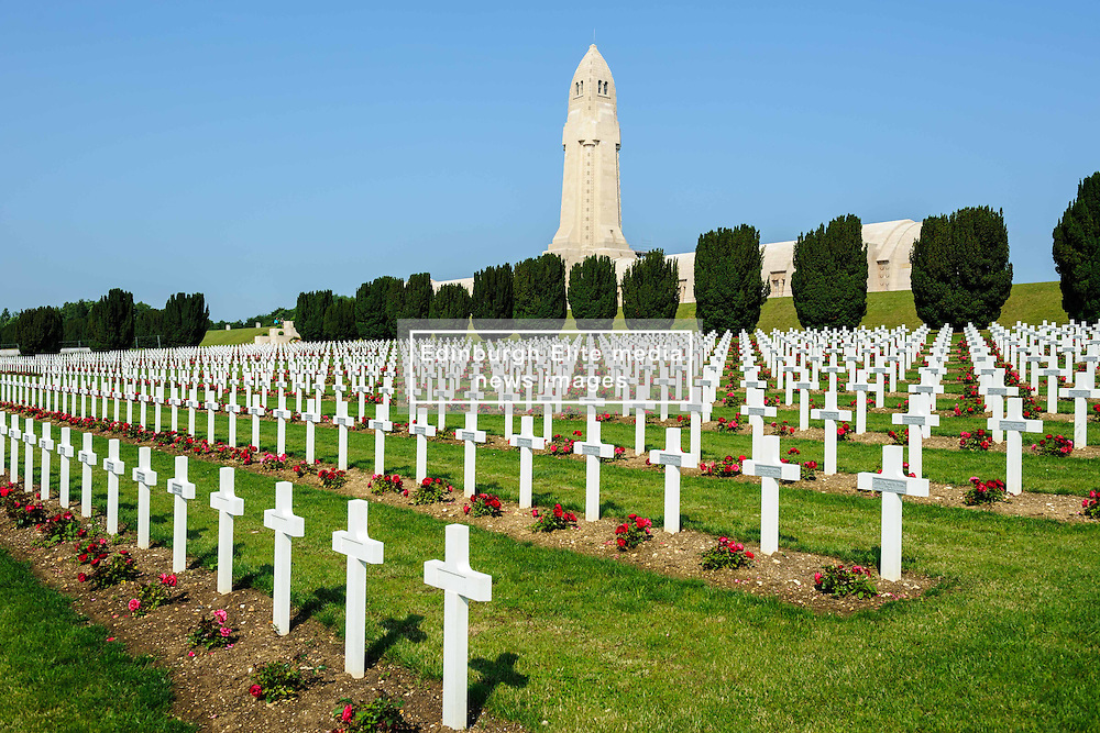 French Military Cemetary at Douaumont, Verdun, France.  The ossuary  containing the remains of soldiers who died on the battlefield during the Battle of Verdun in World War I can be seen in the background<br /> <br /> (c) Andrew Wilson | Edinburgh Elite media