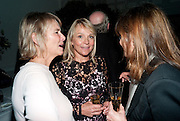 PHILIPPA WALKER; HELEN FIELDING, Party for Perfect Lives by Polly Sampson. The 20th Century Theatre. Westbourne Gro. London W11. 2 November 2010. -DO NOT ARCHIVE-© Copyright Photograph by Dafydd Jones. 248 Clapham Rd. London SW9 0PZ. Tel 0207 820 0771. www.dafjones.com.