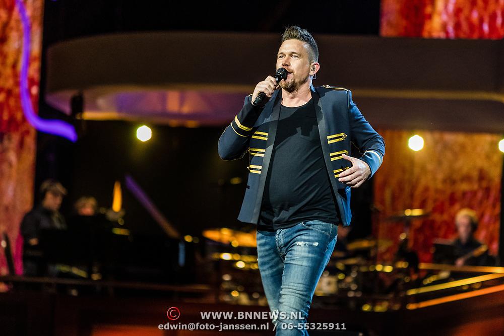 NLD/Amsterdam/20170317 - Holland zingt Hazes 2017, Johnny de Mol