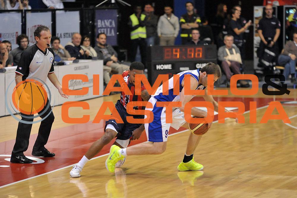 DESCRIZIONE : Biella Lega A 2011-12 Angelico Biella Bennet Cantu<br /> GIOCATORE : Manuchar Markoishvili Aubrey Coleman<br /> CATEGORIA : Palleggio<br /> SQUADRA : Angelico Biella Bennet Cantu<br /> EVENTO : Campionato Lega A 2011-2012<br /> GARA : Angelico Biella Bennet Cantu<br /> DATA : 29/04/2012<br /> SPORT : Pallacanestro<br /> AUTORE : Agenzia Ciamillo-Castoria/S.Ceretti<br /> Galleria : Lega Basket A 2011-2012<br /> Fotonotizia : Biella Lega A 2011-12 Angelico Biella Bennet Cantu<br /> Predefinita :