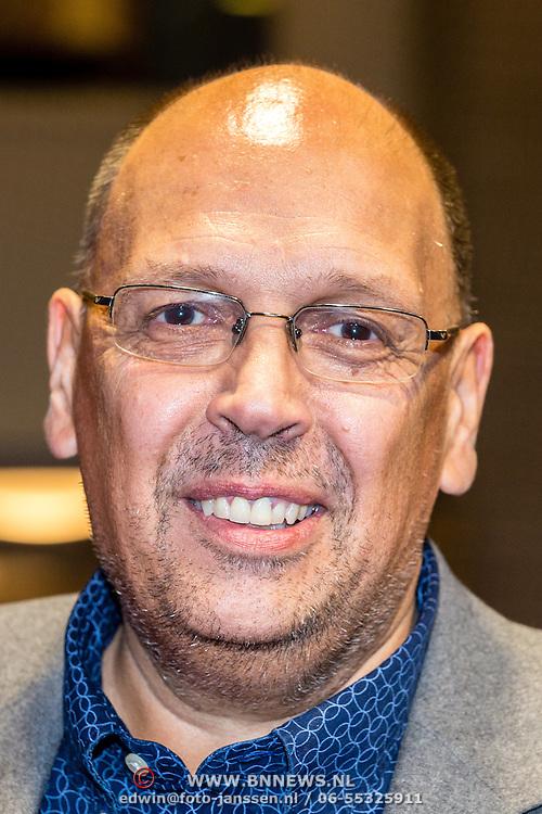 NLD/Utrecht/20160922 - inloop NFF 2016 - première Riphagen, Simon de Waal