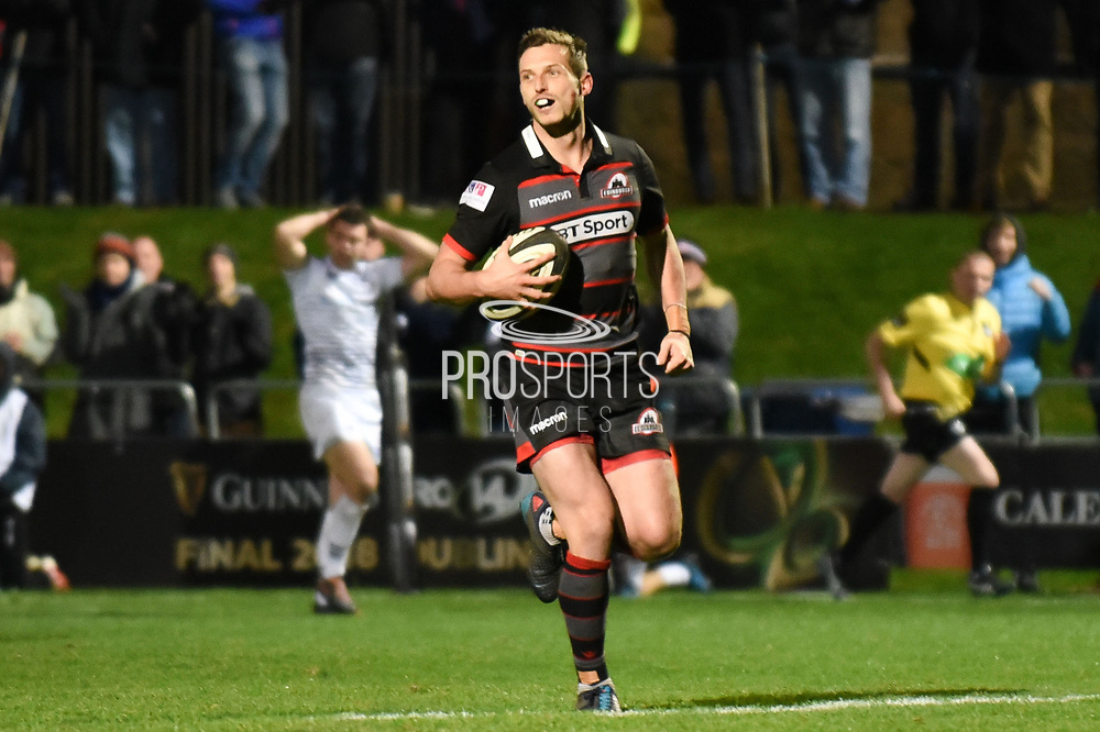 Jason Tovey runs in a try during the Guinness Pro 14 2017_18 match between Edinburgh Rugby and Ospreys at Myreside Stadium, Edinburgh, Scotland on 4 November 2017. Photo by Kevin Murray.