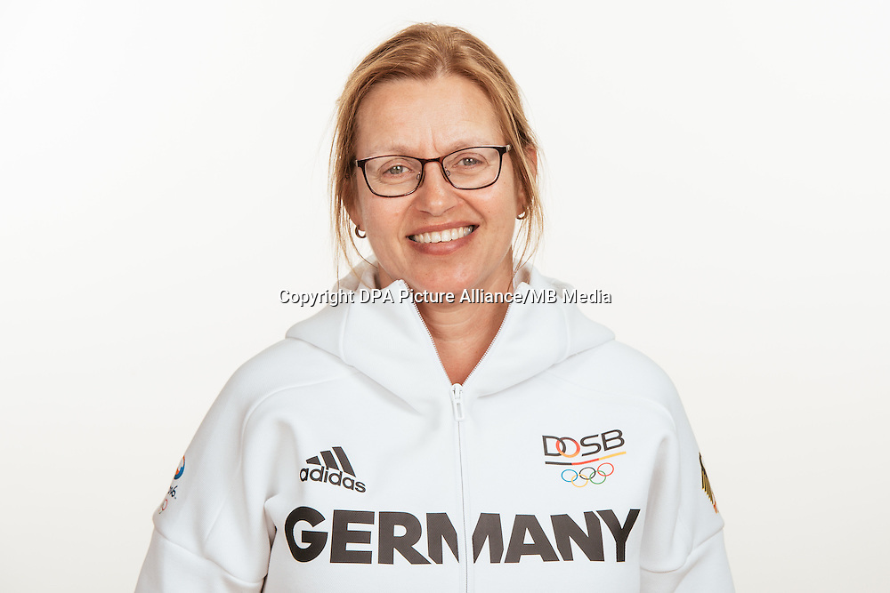 Marie Johnson poses at a photocall during the preparations for the Olympic Games in Rio at the Emmich Cambrai Barracks in Hanover, Germany, taken on 18/07/16 | usage worldwide