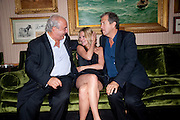 SIR PHILIP GREEN; KATE MOSS; MARIO TESTINO, Dinner hosted by Elizabeth Saltzman for Mario Testino and Kate Moss. Mark's Club. London. 5 June 2010. -DO NOT ARCHIVE-© Copyright Photograph by Dafydd Jones. 248 Clapham Rd. London SW9 0PZ. Tel 0207 820 0771. www.dafjones.com.
