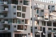 modernes Apartmenthausr am Sandtorhafen, Hafen City, Hamburg, Deutschland.|.harbour city, Hamburg, Germany.