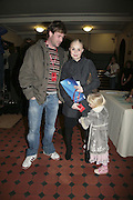 James lloyd, Gail Porter and Honey, Cirque de Soleil Premiere of Alegr'a. Royal Albert Hall. London. 5 January 2006.  -DO NOT ARCHIVE-© Copyright Photograph by Dafydd Jones. 248 Clapham Rd. London SW9 0PZ. Tel 0207 820 0771. www.dafjones.com.