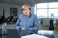 09 OCT 2017, BERLIN/GERMANY:<br /> Angela Merkel, CDU, Bundeskanzlerin, waehrend einem Interview, in ihrem Buero, Bundeskanzleramt<br /> IMAGE: 20171009-01-002<br /> KEYWORDS: Büro
