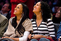 05 January 2007: Tia and Tamera Mowry look at the scoreboard during the Los Angeles Lakers and Denver Nuggets basketball game at the STAPLES Center in Los Angeles, CA.<br />