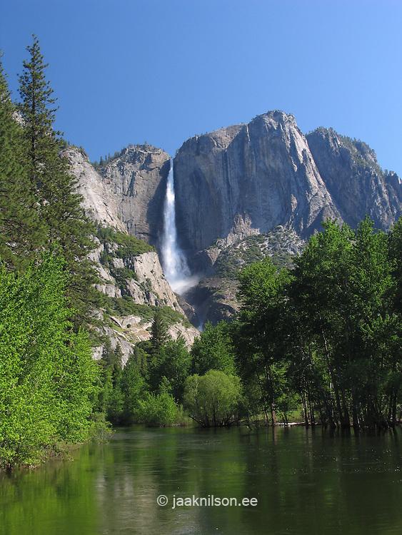 Merced River and Upper Yosemite Waterfall, Yosemite Nat`l Park, Sierra Nevada Mountains, California, USA