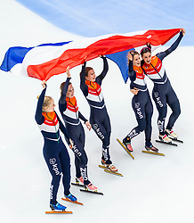 13-01-2019 NED: ISU European Short Track Championships 2019 day 3, Dordrecht<br /> (L-R) Tineke den Dulk, Lara van Ruijven, Yara van Kerkhof, Europees Kampioen Suzanne Schulting and Rianne de Vries celebrates after finishing first in the Ladies Relay final during the ISU European Short Track Speed Skating Championships
