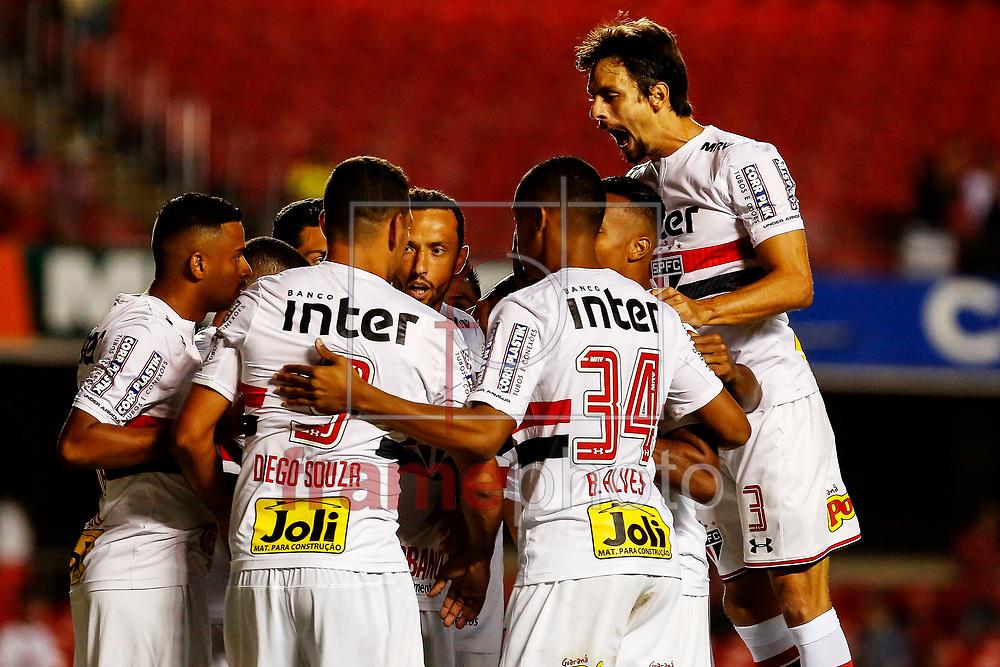07.02.2018 - São Paulo, SP -  Nene do São Paulo comemora gol em jogo contra o Bragantino, na noite desta quarta-feira (07), no estádio Cícero Pompeu de Toledo, ZN Sul da cidade. ( Foto: LÉO PINHEIRO/FRAMEPHOTO / FRAMEPHOTO )