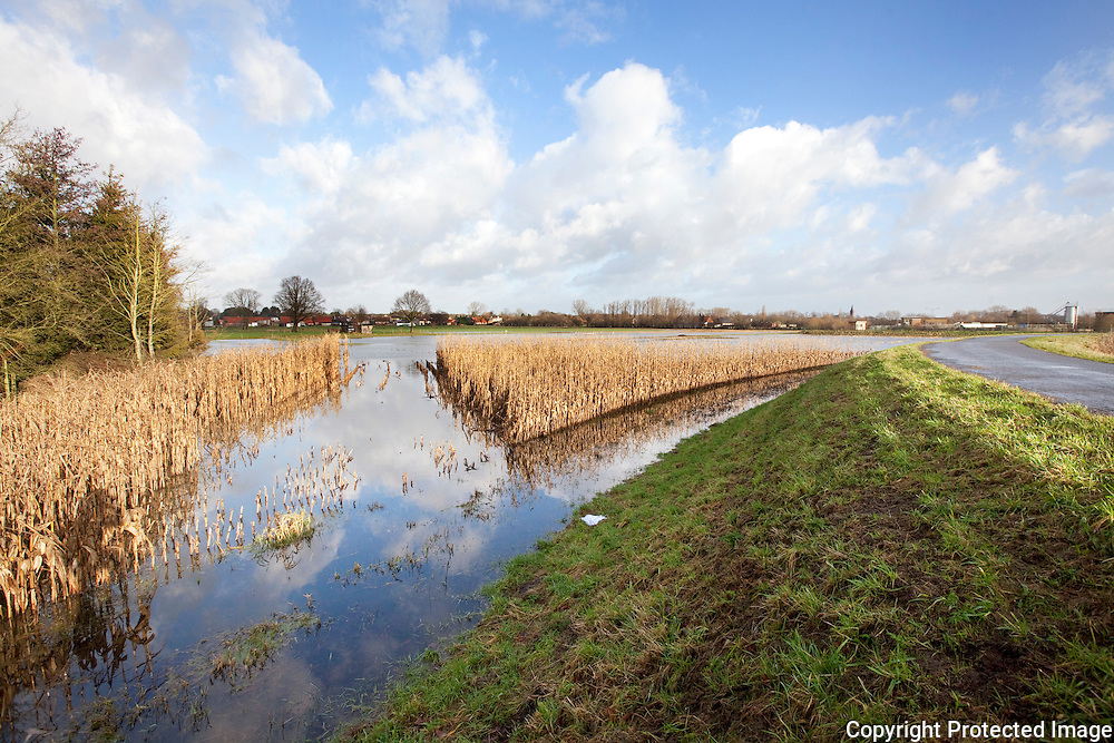 373018-Hugo Mols krijgt water binnen-Dobbelhoefweg Grobbendonk