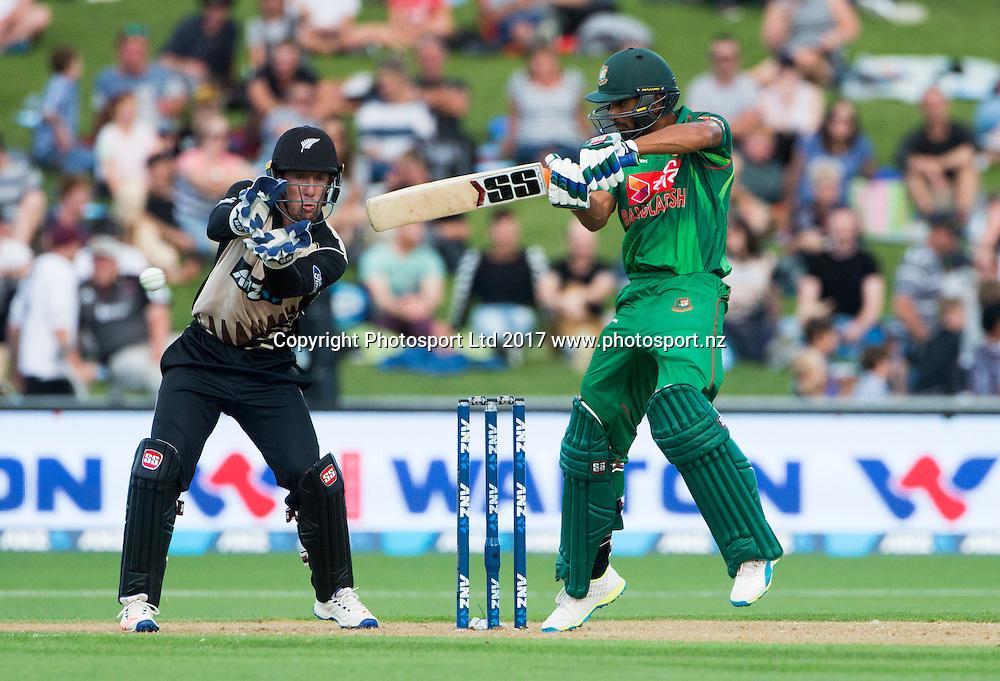 Bangladesh's Mahmudulla plays a shot.  New Zealand Blackcaps v Bangladesh, International Cricket, 1st T20, McLean Park, Napier, New Zealand. Tuesday, 03 January, 2017. Copyright photo: John Cowpland / www.photosport.nz
