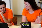 Bij de VU in Amsterdam worden testen gedaan met potentiele renners voor de VeloX VI. In september wil het Human Power Team Delft en Amsterdam, dat bestaat uit studenten van de TU Delft en de VU Amsterdam, tijdens de World Human Powered Speed Challenge in Nevada een poging doen het wereldrecord snelfietsen te verbreken. Het record is met 139,45 km/h sinds 2015 in handen van de Canadees Todd Reichert.<br /> <br /> With the special recumbent bike the Human Power Team Delft and Amsterdam, consisting of students of the TU Delft and the VU Amsterdam, also wants to set a new world record cycling in September at the World Human Powered Speed Challenge in Nevada. The current speed record is 139,45 km/h, set in 2015 by Todd Reichert.
