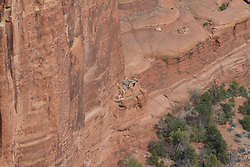 Canyon de Chelly (də-shay) National Monument