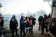 ROMA. UNA RAGAZZA FERMATA E ARRESTATA DALLE FORZE DELL'ORDINE DURANTE GLI SCONTRI IN PIAZZA SAN GIOVANNI;