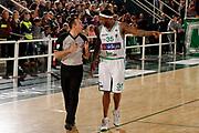 DESCRIZIONE : Avellino Lega A 2011-12 Sidigas Avellino EA7 Emporio Armani Milano<br /> GIOCATORE : Ronald Slay Arbitro Lo Guzzo<br /> SQUADRA : Sidigas Avellino<br /> EVENTO : Campionato Lega A 2011-2012<br /> GARA : Sidigas Avellino EA7 Emporio Armani Milano<br /> DATA : 22/04/2012<br /> CATEGORIA : proteste<br /> SPORT : Pallacanestro<br /> AUTORE : Agenzia Ciamillo-Castoria/A.De Lise<br /> Galleria : Lega Basket A 2011-2012<br /> Fotonotizia : Avellino Lega A 2011-12 Sidigas Avellino EA7 Emporio Armani Milano<br /> Predefinita :