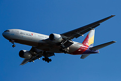 Boeing 777-28E(ER) (HL-7755) operated by Asiana Airlines on approach to San Francisco International Airport (SFO), San Francisco, California, United States of America