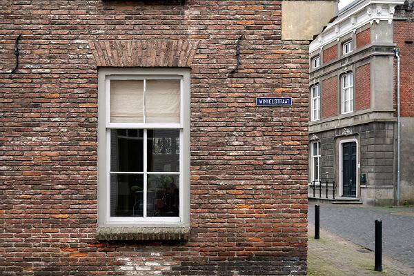 Nederland, Ravenstein, 13-4-2018Een vestingstad aan de Maas, in de gemeente Oss, in de Nederlandse provincie Noord-Brabant . De historische binnenstad telt verschillende rijksmonumenten . De winkelstraat in het centrum .Foto: Flip Franssen
