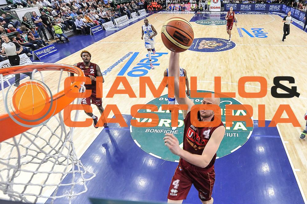 DESCRIZIONE : Campionato 2014/15 Dinamo Banco di Sardegna Sassari - Umana Reyer Venezia<br /> GIOCATORE : Hrvoje Peric<br /> CATEGORIA : Schiacciata Special<br /> SQUADRA : Umana Reyer Venezia<br /> EVENTO : LegaBasket Serie A Beko 2014/2015<br /> GARA : Dinamo Banco di Sardegna Sassari - Umana Reyer Venezia<br /> DATA : 03/05/2015<br /> SPORT : Pallacanestro <br /> AUTORE : Agenzia Ciamillo-Castoria/L.Canu