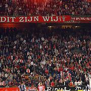 NLD/Amsterdam/20050805 - Johan Cruijffschaal 2005, PSV - Ajax, publiek, toeschouwers, vuurwerk, f-side