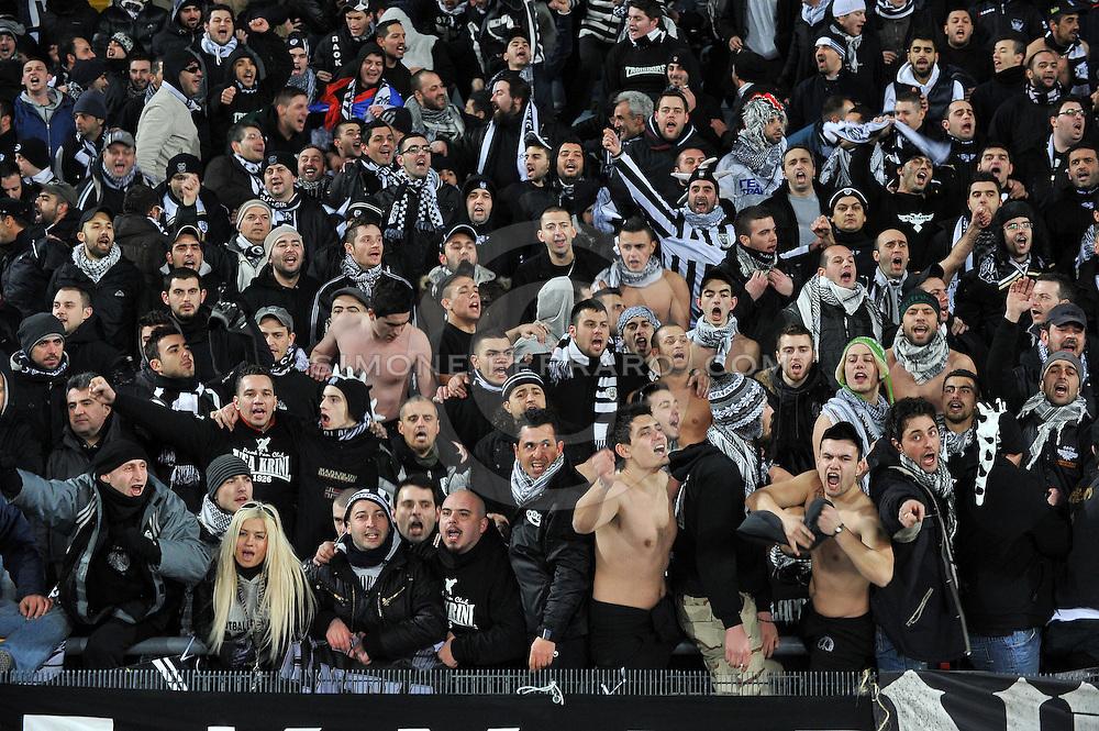 Udine, 16 Febbraio 2012.UEFA Europa League 2011/2012.  16^ di finale..Udinese vs PAOK Salonicco. Stadio Friuli..Nella Foto: i tifosi del PAOK..© foto di Simone Ferraro