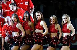 30-12-2002 BASKETBAL: HBW FINALE RICOH ASTRONAUTS - RACING BASKET ANTWERPEN: HAARLEM<br /> Chocago Luva Bulls , cheerleaders<br /> ©2002-WWW.FOTOHOOGENDOORN.NL