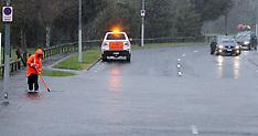 Rotorua-Flash flooding closes roads