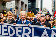 ROTTERDAM - Geert Wilders tijdens de demonstratie van de PVV tegen het beleid van kabinet Rutte III, islamisering en discriminatie van Nederlanders. Aanhangers worden bijgestaan door de Vlaams-nationalistische partij Vlaams Belang. ANP ROBIN UTRECHT